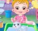 Baby Hazel chăm sóc thú cưng